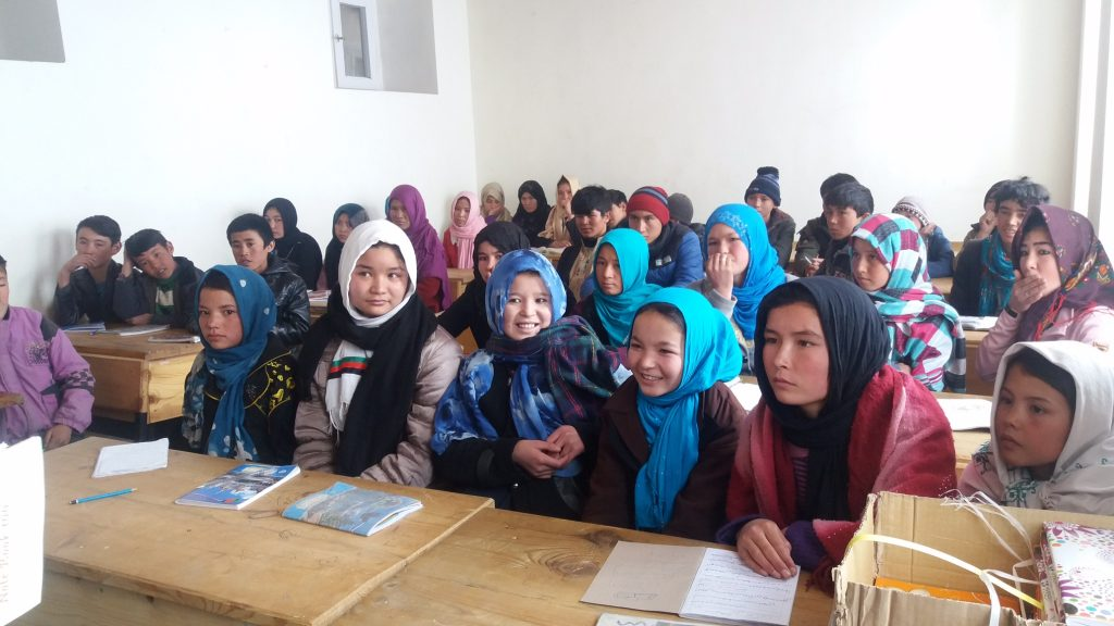 Grâce à Nai-Qala, les filles peuvent suivre des cours d'appui pendant l'hiver